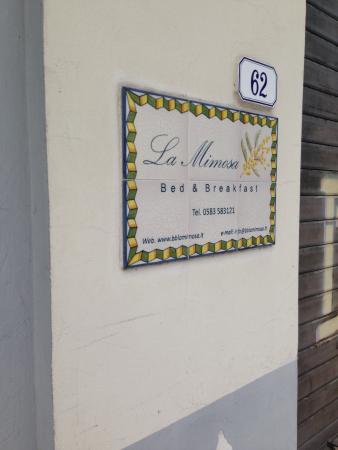 La Mimosa : Placa na entrada