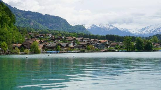 Camping Aaregg: Brienz, the local town.