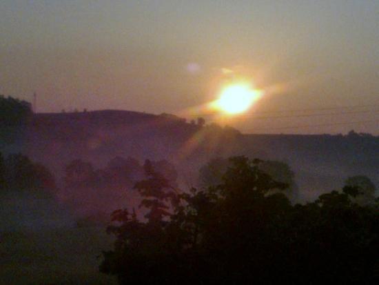 Agriturismo La Mussia: le soleil tôt le matin