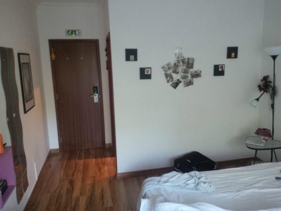 Dolce Cascais Guest House: Room - facing the entrance