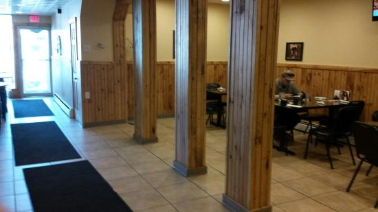 Roscoe Bistro: Expansion for a additional 4 more tables