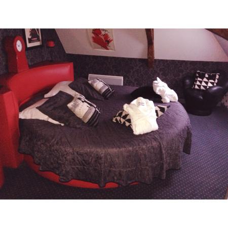 La Chatellerie du Schoebeque : Côté chambre suite moulin rouge