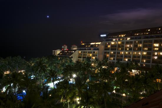 Club Regina Puerto Vallarta : Adjoining Hotel Property Night View from Room