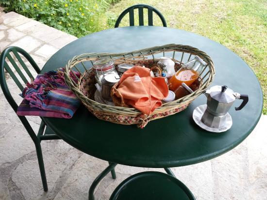 Azienda Agricola Agrimonia: Cestino con la colazione