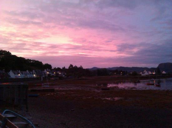 Stationmaster's Lodge: sunset in Plockton