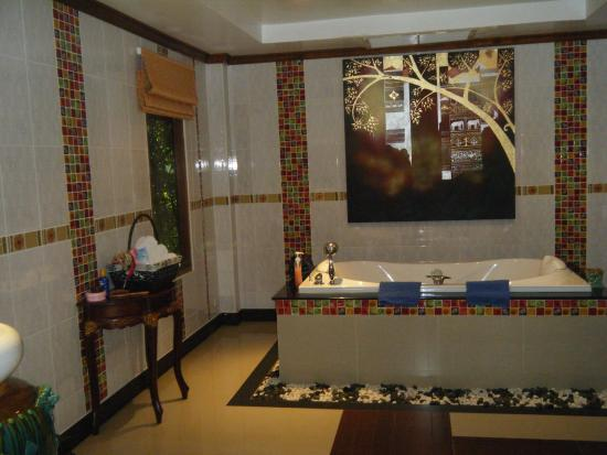 Baan Malinee Bed and Breakfast : Bathroom