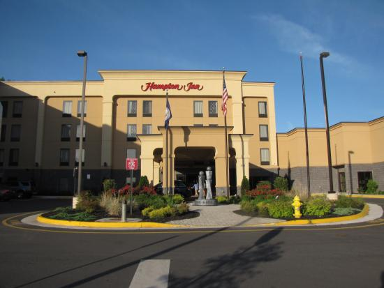 Hampton Inn Stafford/Quantico & Conference Center: Hotel Entrance