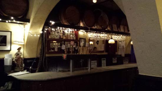 Jimmy's No 43: The bar at Jimmy's No.43