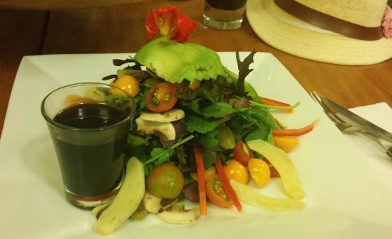 La Bodega 138: ensalada rustica