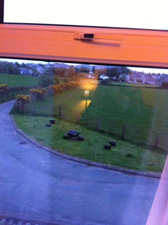 Llys Olwen : Lovely view from bedroom window