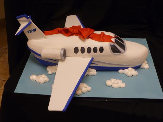 Remarkable Airplane Themed Birthday Cakes Picture Of Las Vegas Custom Cakes Funny Birthday Cards Online Inifofree Goldxyz