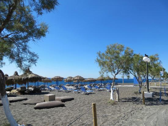 Perissa, Greece: On the beach