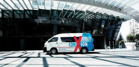 Southport, Australien: Con-X-ion Transfers
