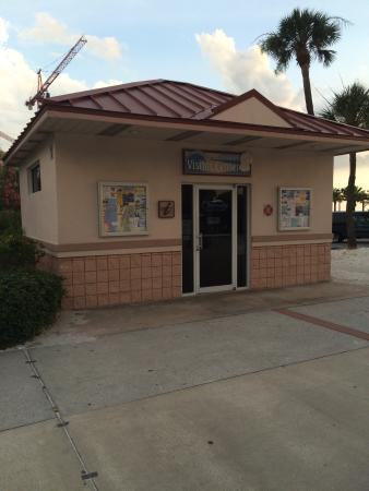 ‪Clearwater Beach Visitor Information Center‬