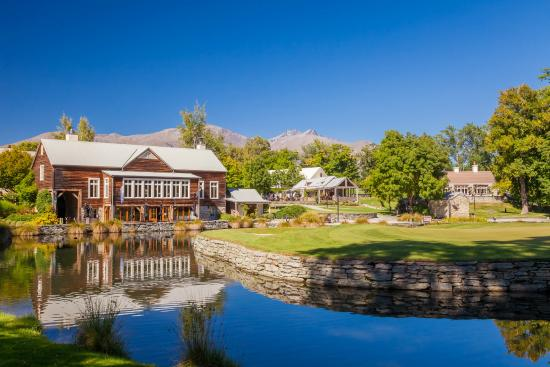 Millbrook Resort: The Millhouse Restaurant and Grounds