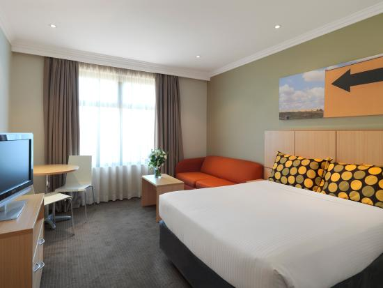 Travelodge Hotel Blacktown: Guest Room - Queen Bed
