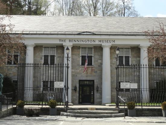 Bennington Museum: Front of the museum