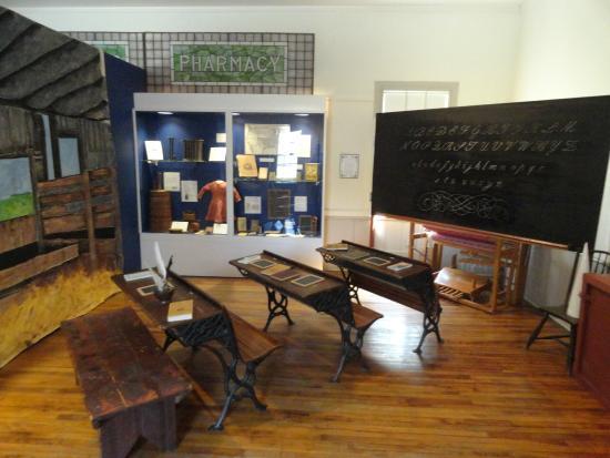 Bennington Museum: VT school room