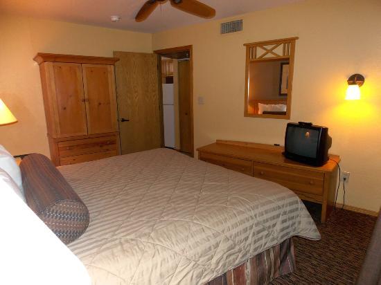Wyndham Durango: Bedroom reverse angle