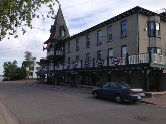 The Gananoque Inn and Spa : Front view