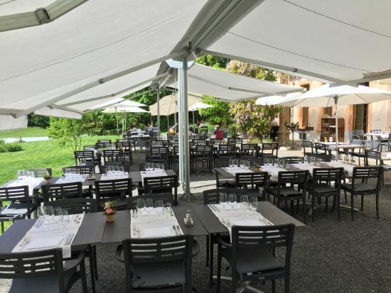 Restaurant de Bois Genoud La terrasse du Castel de Bois Genoud ready?
