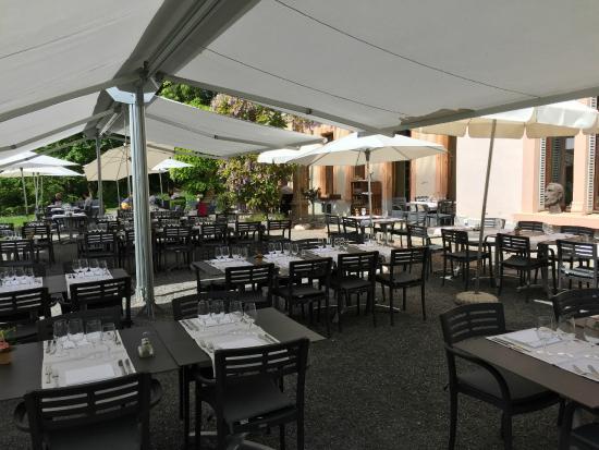 Restaurant de Bois Genoud  La terrasse du Castel de Bois Genoud et