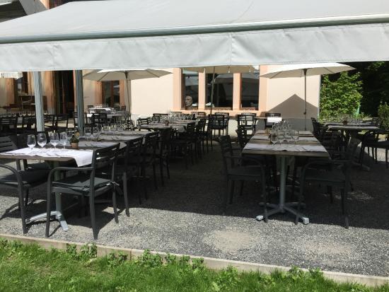 Castel de Bois Genoud sous la tenture  Picture of Restaurant de Bois