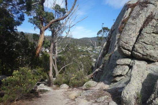 Bicheno Backpackers: Lookout Rock