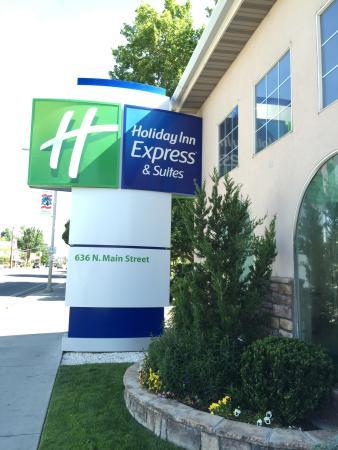 Holiday Inn Express Bishop: Holiday Express In Bishop