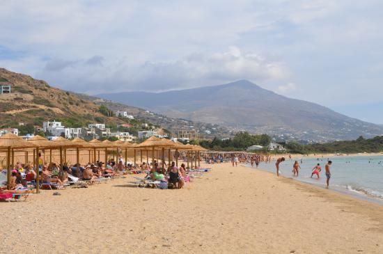 Agios Petros Beach: Beach of Kato Agios Petros during full season, at Kalyba bar