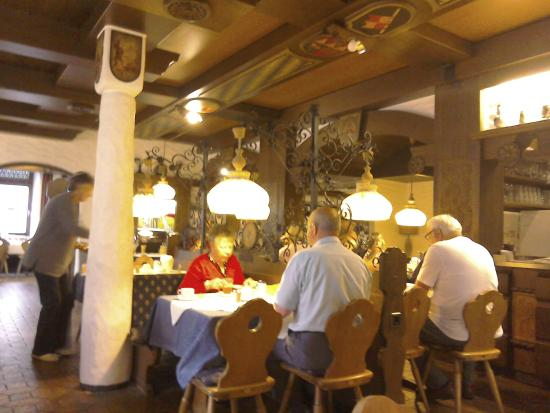 City Partner Hotel Strauss: meal at restaurant in hotel
