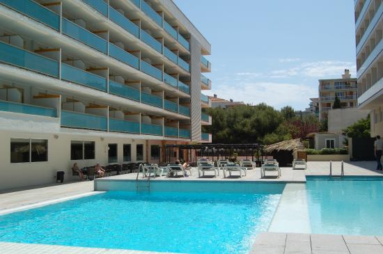 4R Playa Margarita Hotel : Swimminpool vie