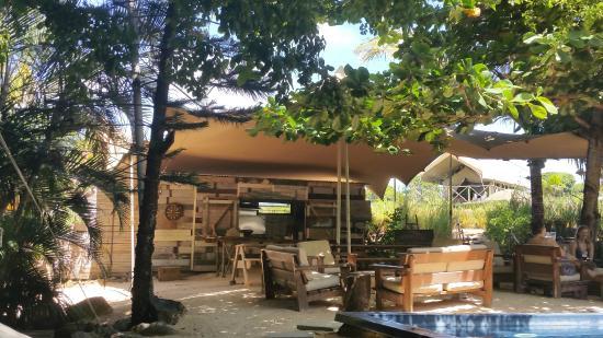 Otentic Eco Tent Experience Espace piscine / restaurant & Espace piscine / restaurant - Picture of Otentic Eco Tent ...