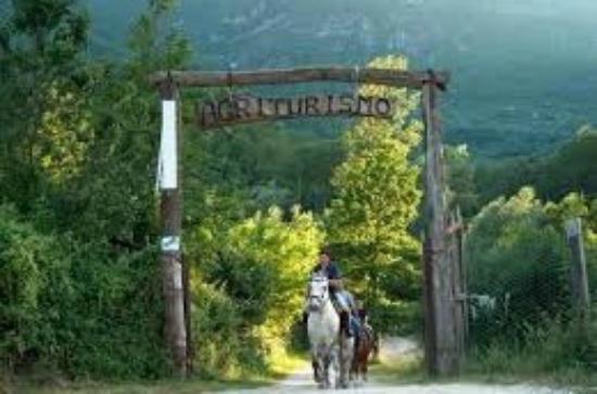 San Vincenzo Valle Roveto, Italia: Entrata maneggio