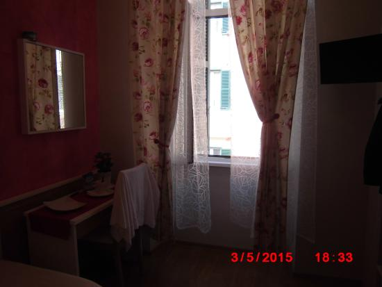 B&T Rooms Trani Photo
