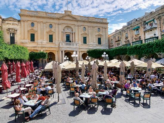 Валлетта, Мальта: Piazza