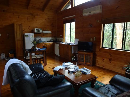 Ravensbourne Forest Chalets: Inside the cabin