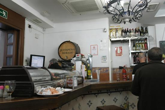 Bodegas Quitapenas: A well-stocked bar