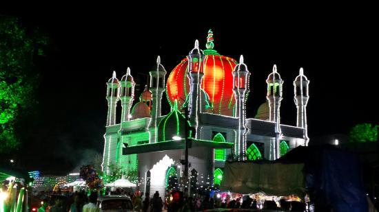 Adoor, Ινδία: Athikkattukulangara