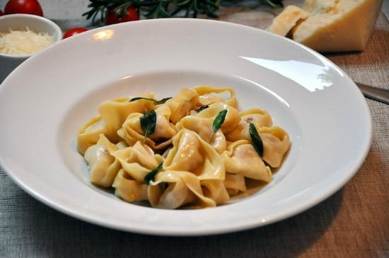 Pasta i Basta Cafe: Tortelloni