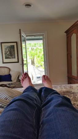 Ann Street Inn: Relaxing in the DUke of Beaufort Room