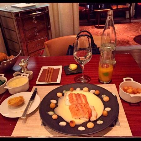 B uf de kob photo de la cuisine le royal monceau for Restaurant la cuisine royal monceau