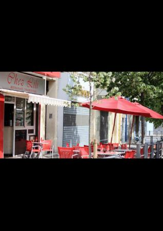 restaurant chez lili dans marseille avec cuisine fran aise. Black Bedroom Furniture Sets. Home Design Ideas