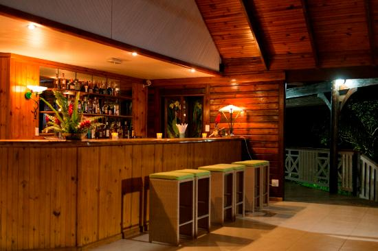 Acajou Beach Resort: Chapo! Bar