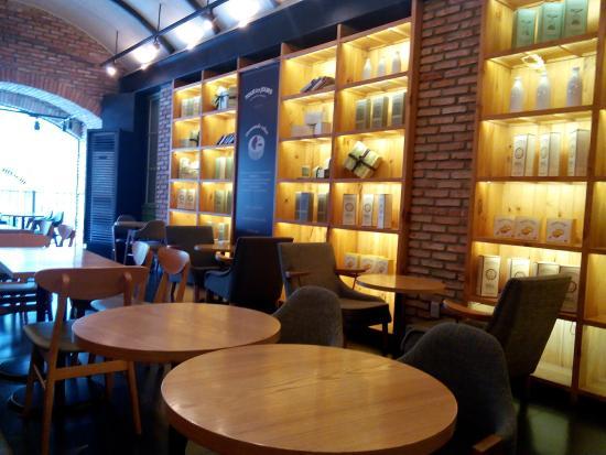 Photo of Cafe Tous les jours at 44, Duong Le Loi, Ho Chi Minh City 70000, Vietnam