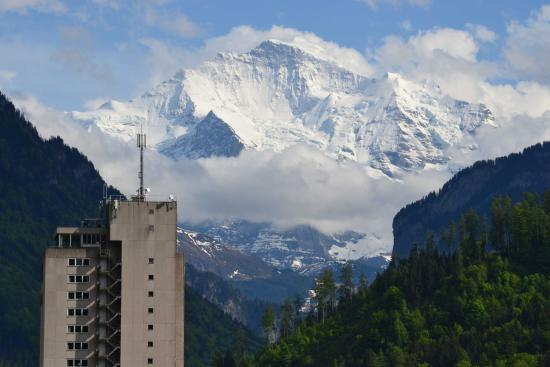 Aparthotel Goldey: View of mountains from living room