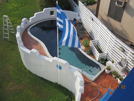 Greek Frontier Villa: 小巧游泳池