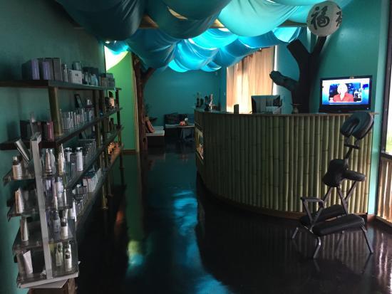 Thai-Me Spa: Retail area Skincare-Dermalogica