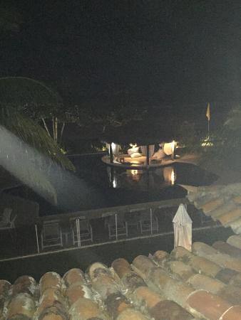 Hotel Le Relais La Borie : Vista do quarto à noite