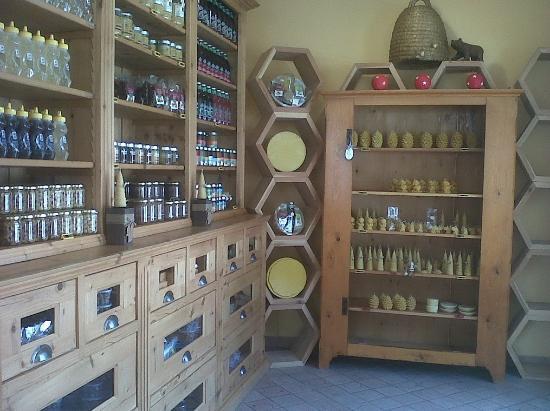 Lavarone, Italy: negozio